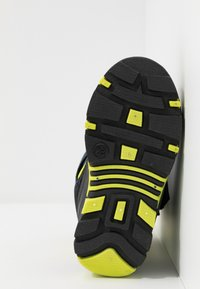 KangaROOS - BEAN - Zimní obuv - darkk navy/lime - 5