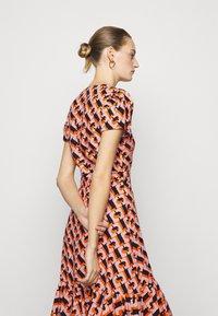 Diane von Furstenberg - VIENNA - Vapaa-ajan mekko - orange - 5