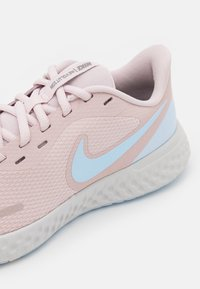 Nike Performance - REVOLUTION 5 - Neutral running shoes - barely rose/hydrogen blue/metallic pewter/photon dust - 5