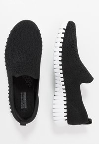 Skechers Performance - GO WALK SMART - Sportieve wandelschoenen - black/white - 1