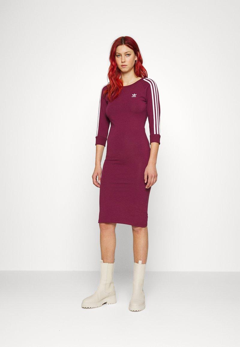 adidas Originals - STRIPES DRESS - Vestito di maglina - victory crimson