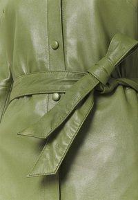 Oakwood - INDIANA - Sukienka koszulowa - dark green - 7