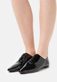 Repetto - ROY - Šněrovací boty - noir - 0