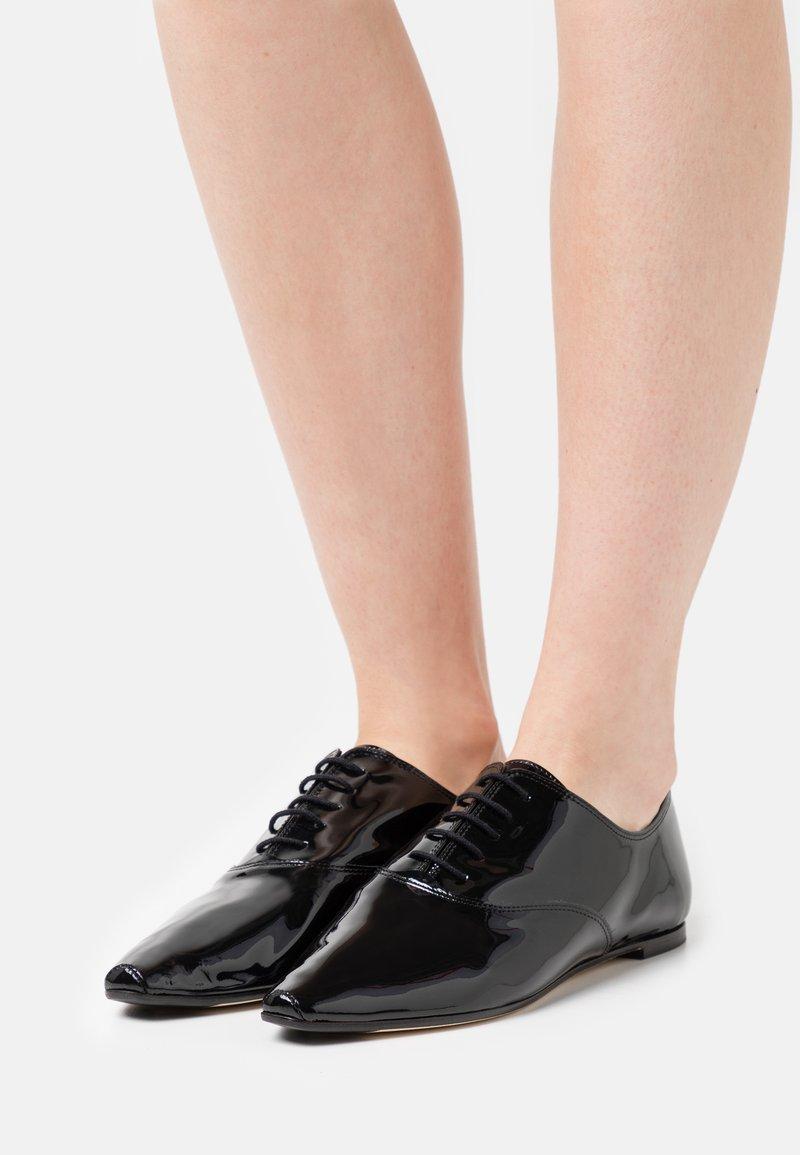 Repetto - ROY - Šněrovací boty - noir