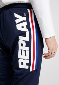 Replay - Tracksuit bottoms - space blue - 5