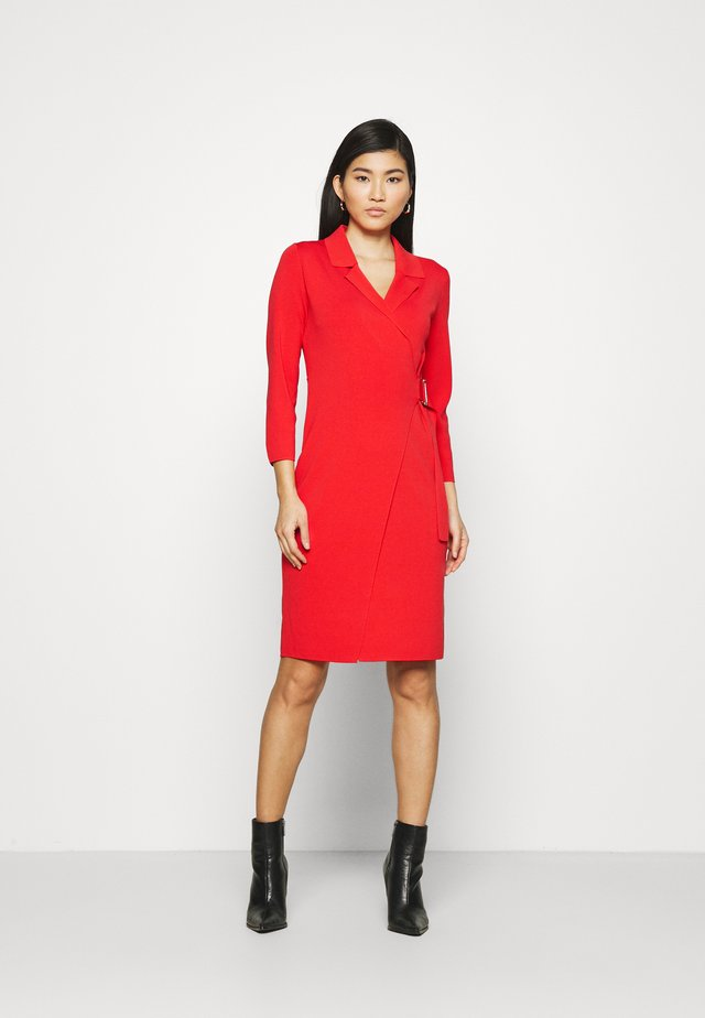 Robe pull - red