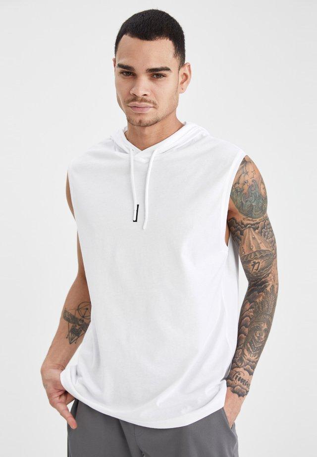 SLIM FIT  - Débardeur - white