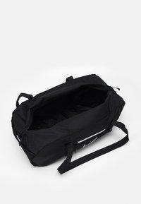 Nike Sportswear - UNISEX - Sportovní taška - black/white - 2