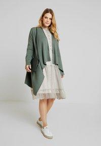 Anna Field Curvy - Cardigan - dark green - 1