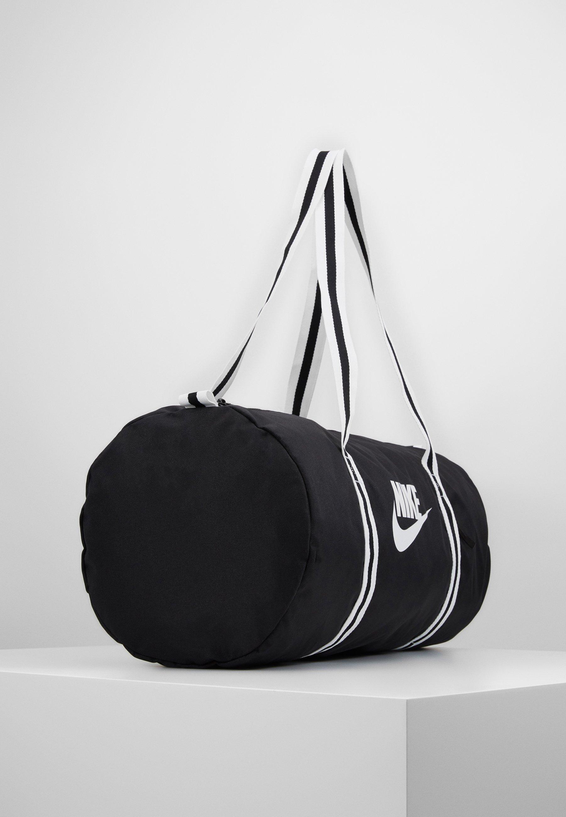 Nike Sportswear HERITAGE - Treningsbag - black/white/svart Z3D8BpP6bID5yY1