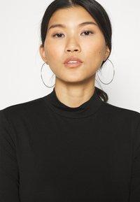 Anna Field - 2 PACK - T-shirt à manches longues - black/mottled light grey - 5