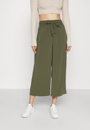 ONLCILLE STRING CULOTTE - Trousers - grape leaf