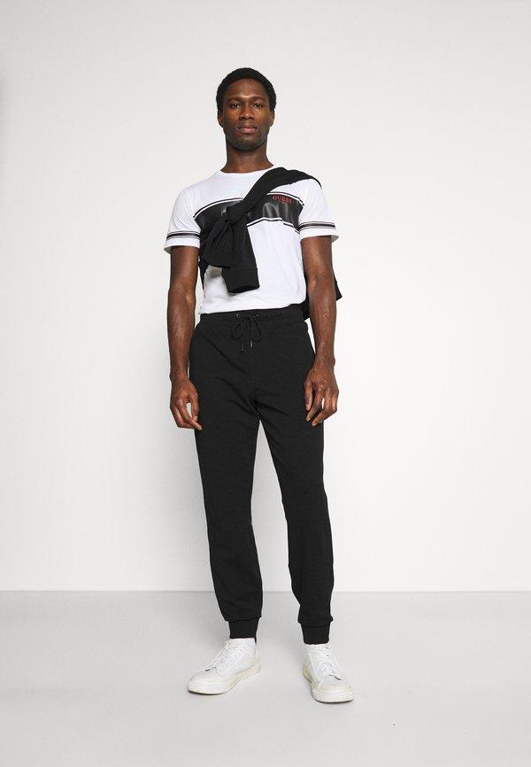 Guess ADAM PANT - Spodnie treningowe - jet black/czarny Odzież Męska ZVZQ