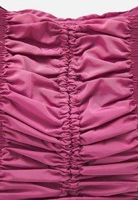 Topshop - RUCHED DRAWSRTING SHOUDLER - Handbag - rasberry - 4