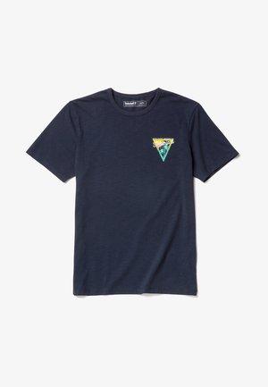 COASTAL ROAMERS - T-shirt z nadrukiem - dark blue
