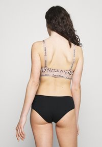 Calvin Klein Underwear - MODERN UNLINED BRALETTE - Kaarituettomat rintaliivit - honey almond - 2