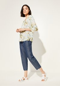 comma casual identity - Blouse - white flowers & dots - 1