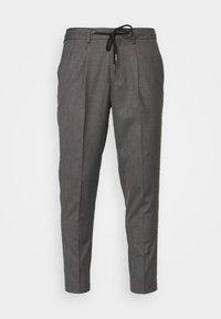 Selected Homme - JAX GREY CROP PANTS - Trousers - grey - 4