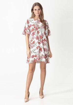 SAMIRA - Denní šaty - white