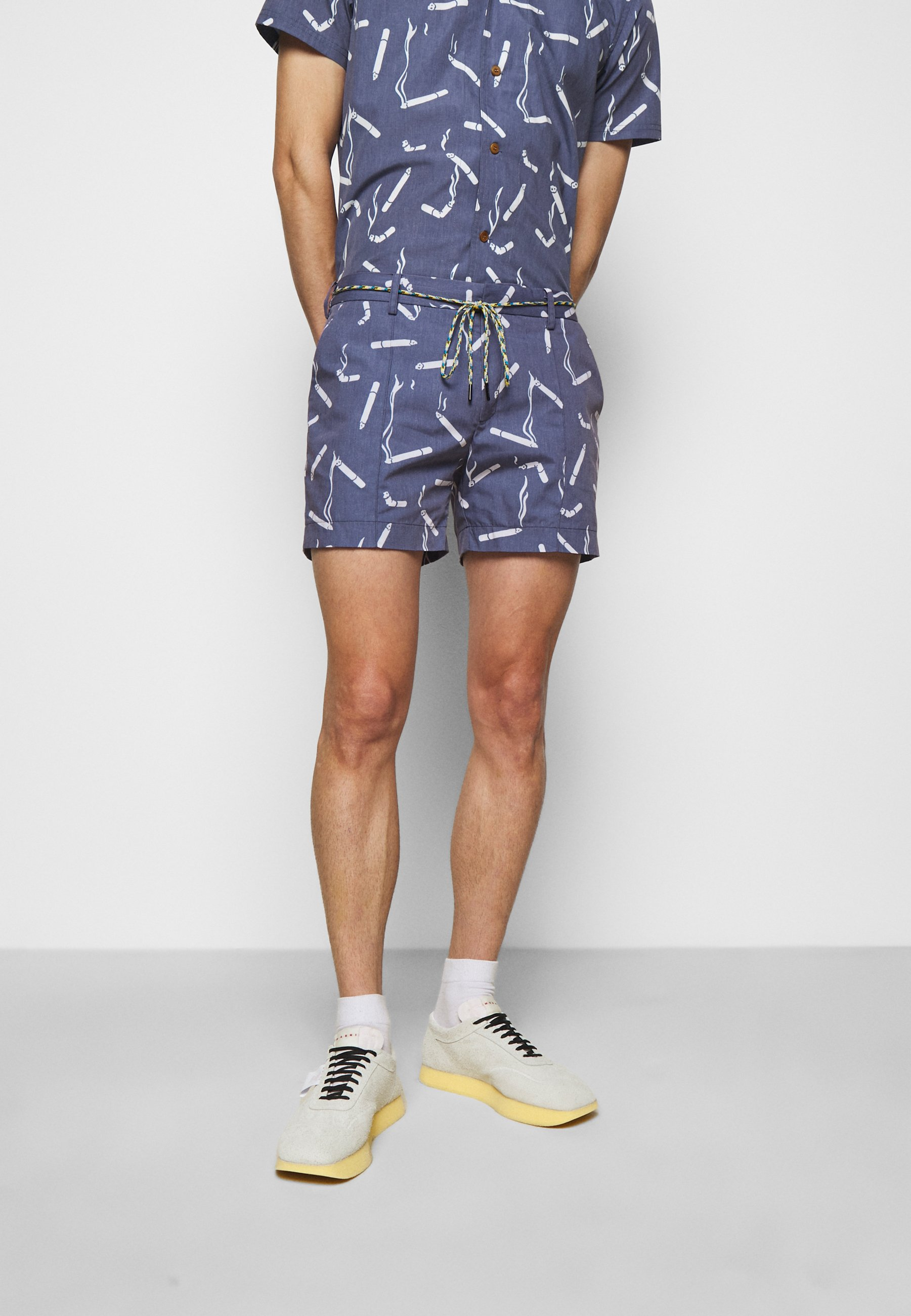 Homme ALLOVER PRINTED SHORTS - Short