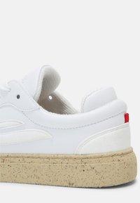 Genesis - G-SOLEY N-PELLE ECO UNIXEX - Sneakers basse - white - 6
