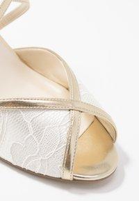 Paradox London Wide Fit - WIDE FIT BABEL - Scarpe da sposa - ivory/champagne - 2