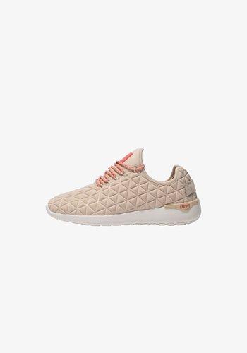 SPEED SOCKS SS122 - SNEAKER LOW - Trainers - tan coral