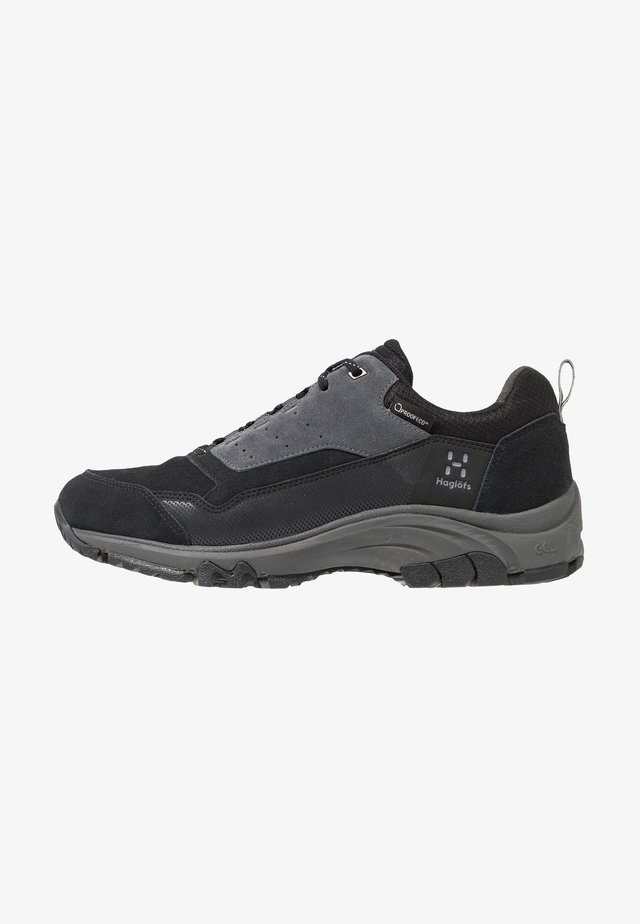 Hiking shoes - true black/magnetite