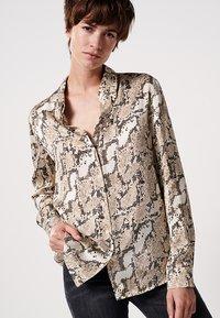 someday. - ZUMERA  - Button-down blouse - pearl mélange - 0