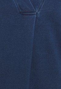 Thought - SKYLAR LOOPBACK DRESS - Žerzejové šaty - indigo blue - 2