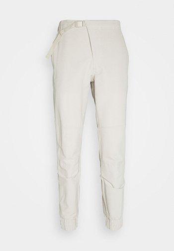 CROSS PANT - Kalhoty - alumina