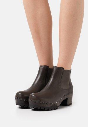 ISABELLE - Platform ankle boots - grey