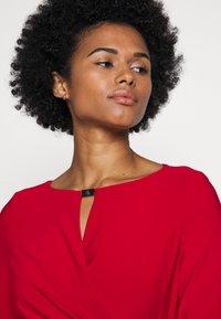 Lauren Ralph Lauren - MID WEIGHT DRESS TRIM - Etuikjole - orient red - 3
