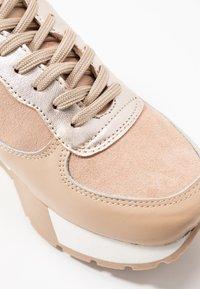 Zign - Sneakers basse - nude - 2