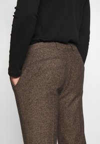 Shelby & Sons - BARAH TROUSER - Trousers - brown - 5