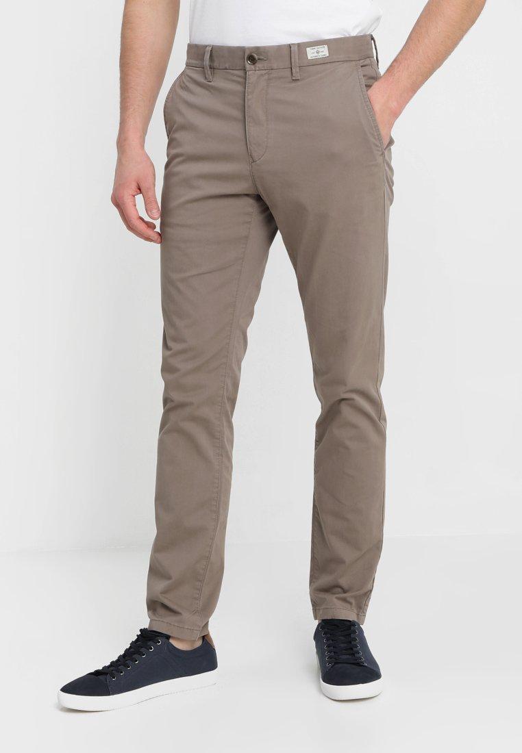 Tommy Hilfiger - DENTON - Chino kalhoty - walnut