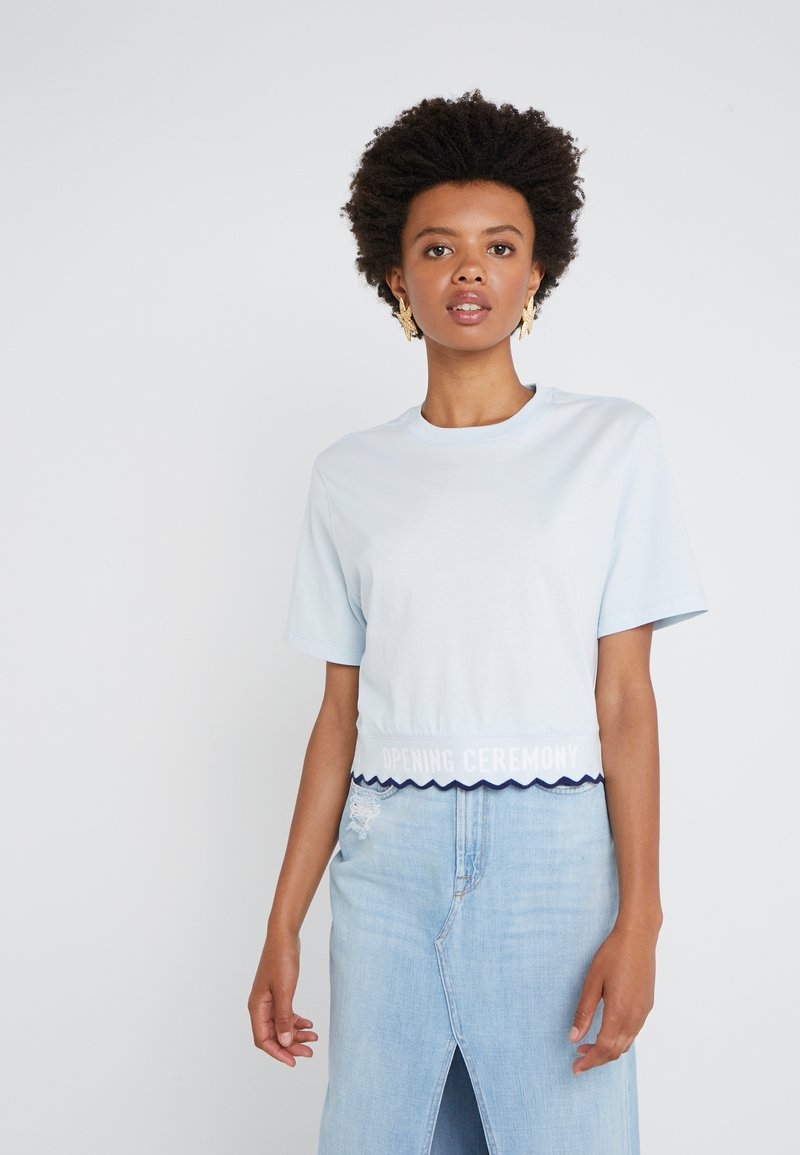 Opening Ceremony - SCALLOP CROPPED TEE - Print T-shirt - dust blue