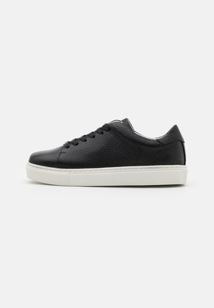 SQUARED SHOES  - Trainers - black