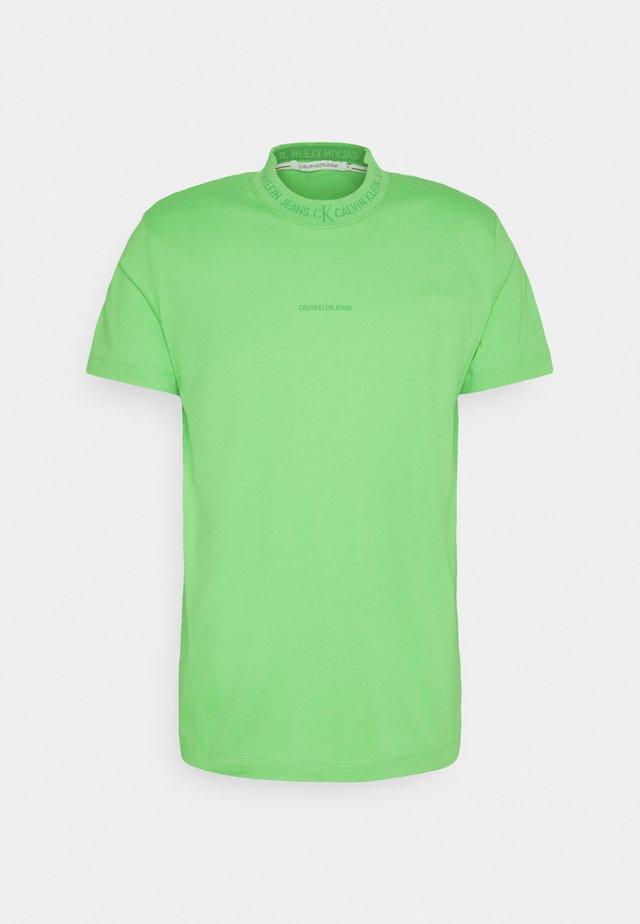 LOGO TEE UNISEX - T-shirt con stampa - acid green
