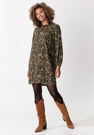 TILDA - Day dress - green