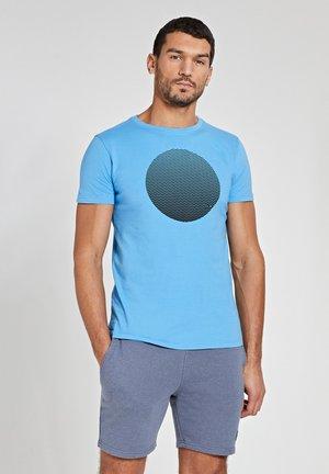 Print T-shirt - cloudy sky blue