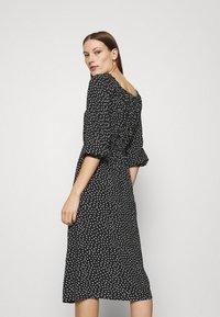 LASCANA - MIDIKLEID - Day dress - schwarz/weiß - 2