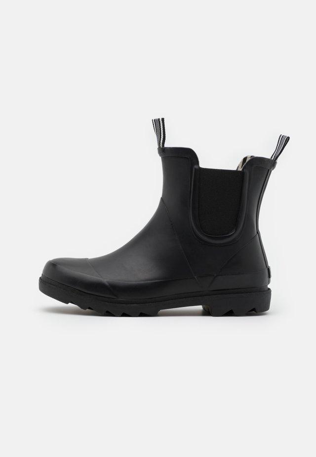 VMNORA BOOT - Gummistøvler - black