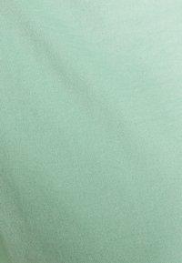 s.Oliver BLACK LABEL - Basic T-shirt - misty gree - 5