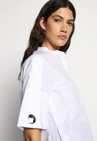 3.1 Phillip Lim - POPLIN BLOUSE SHANKS - Košile - white - 3