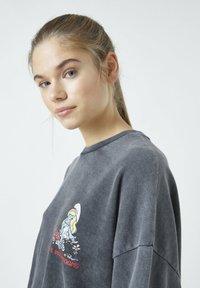 PULL&BEAR - Sweatshirts - mottled dark grey - 4