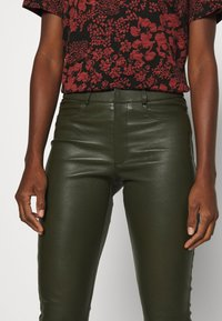 Ibana - LUCILLE - Leather trousers - green - 4