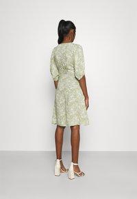 Gina Tricot - DITA DRESS - Vestido informal - green/white - 2