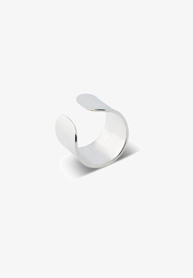 BOLD FLAT EAR CUFF - Boucles d'oreilles - silver