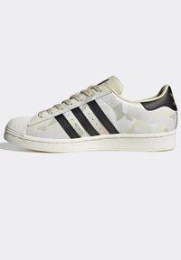 adidas Originals - SUPERSTAR SHOES - Baskets basses - white - 9